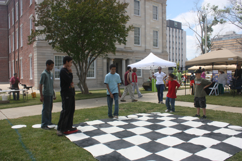 Gathering-on-Green_Chess_IMG_1954